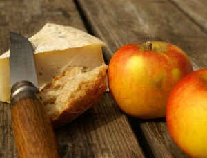 apple and cheese from Auvergne