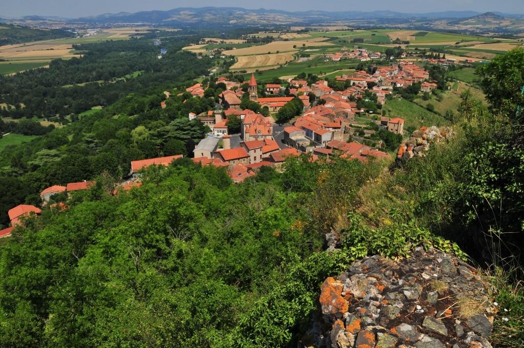 Depuis le butte de Nonette, vue sur le village et l'Allier