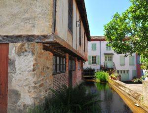 Canal à Sauxillanges, à 10 mn d'Issoire, Puy-de-dôme, Auvergne