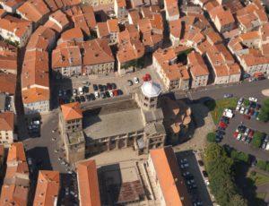 La ville d'Issoire vue du ciel