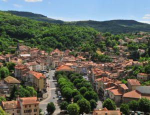 Champeix, un village aux airs de Sud en Auvergne