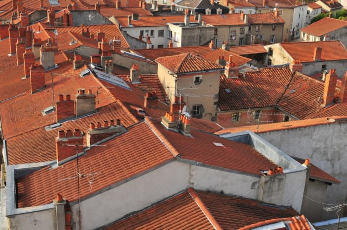 Les toitures rouge d'Issoire, Puy-de-Dôme, Auvergne