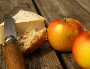 pommes et fromages d'Auvergne