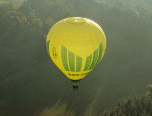 Vol en Montgolfière au-dessus de l'Auvergne avec Wintaïa, situé à 15 mn d'Issoire