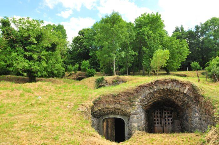 Site des 140 caves, Saint-Julien, Montaigut-Le-Blanc, Puy-de-Dôme, Auvergne