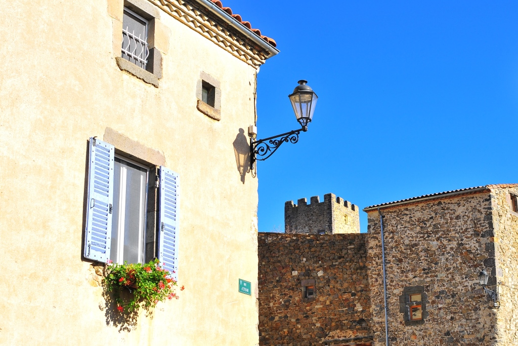 Montaigut le blanc office de tourisme du pays d 39 issoire - Office du tourisme le blanc ...