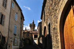 Village d'Ardes-sur-Couze aux portes du Cézallier