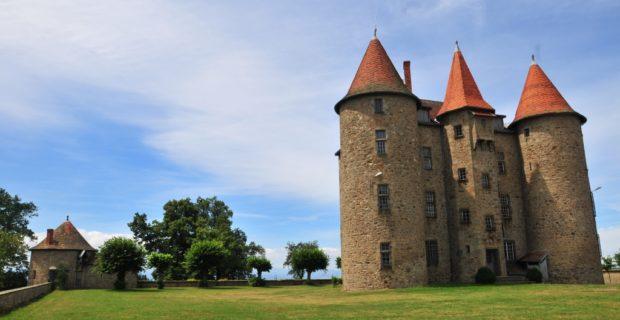 Château de Montfort au Vernet-la-Varenne, qui abbrite aujourd'hui la maison de l'améthyste