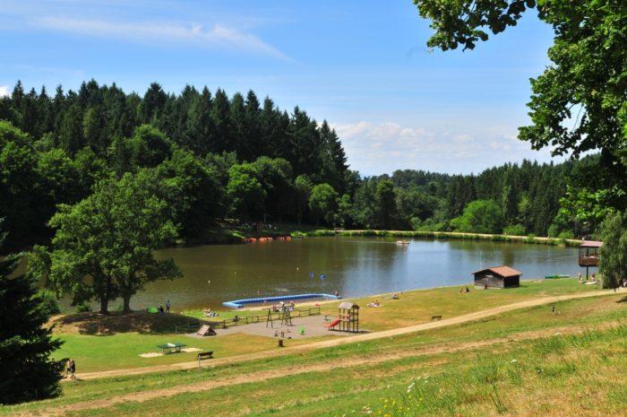 Baignade surveillée au plan d'eau du Vernet-la-Varenne