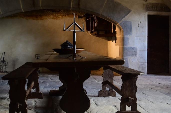 Cuisine du château de Villeneuve-lembron, Monument historique, à proximité d'Issoire en Auvergne