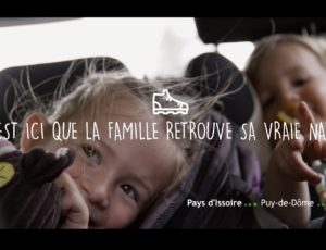 visuel vidéo c'est ici en Auvergne que la famille retrouve sa vraie nature
