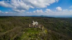 Chapelle romane de Dauzat-sur-Vodable vu en drone