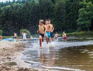 Baignade au plan d'eau du Vernet La Varenne