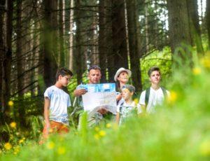 Balade en famille dans le parc du Livradois-Forez