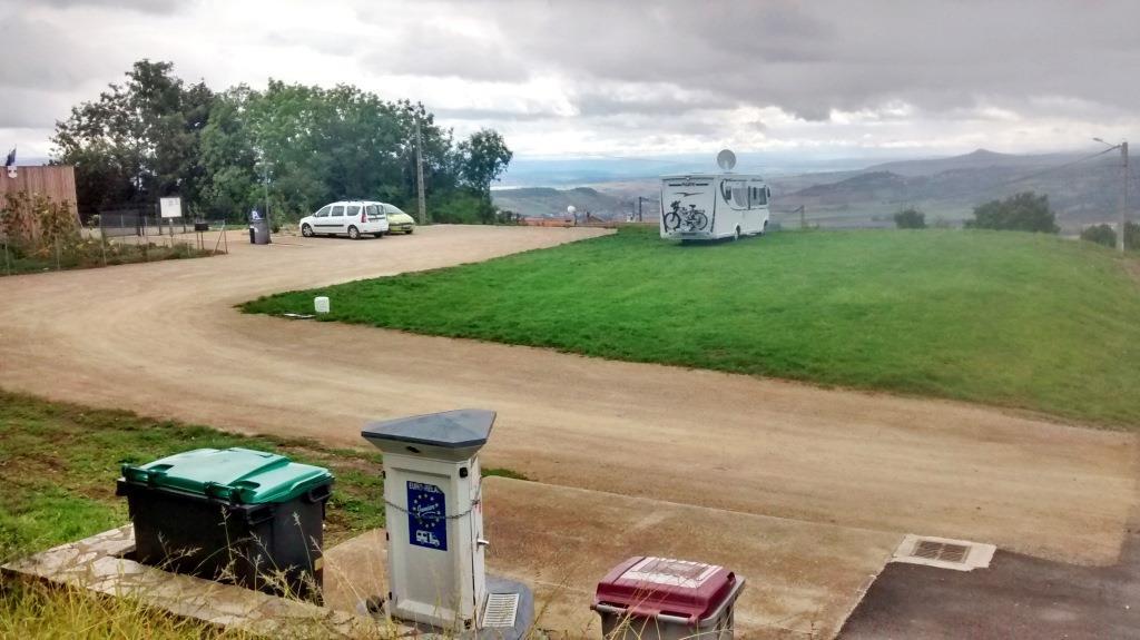 aire-camping-car-solignat (2)