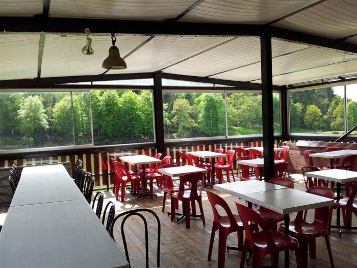 VERNET LA VARENNE Bar restaurant du plan d'eau