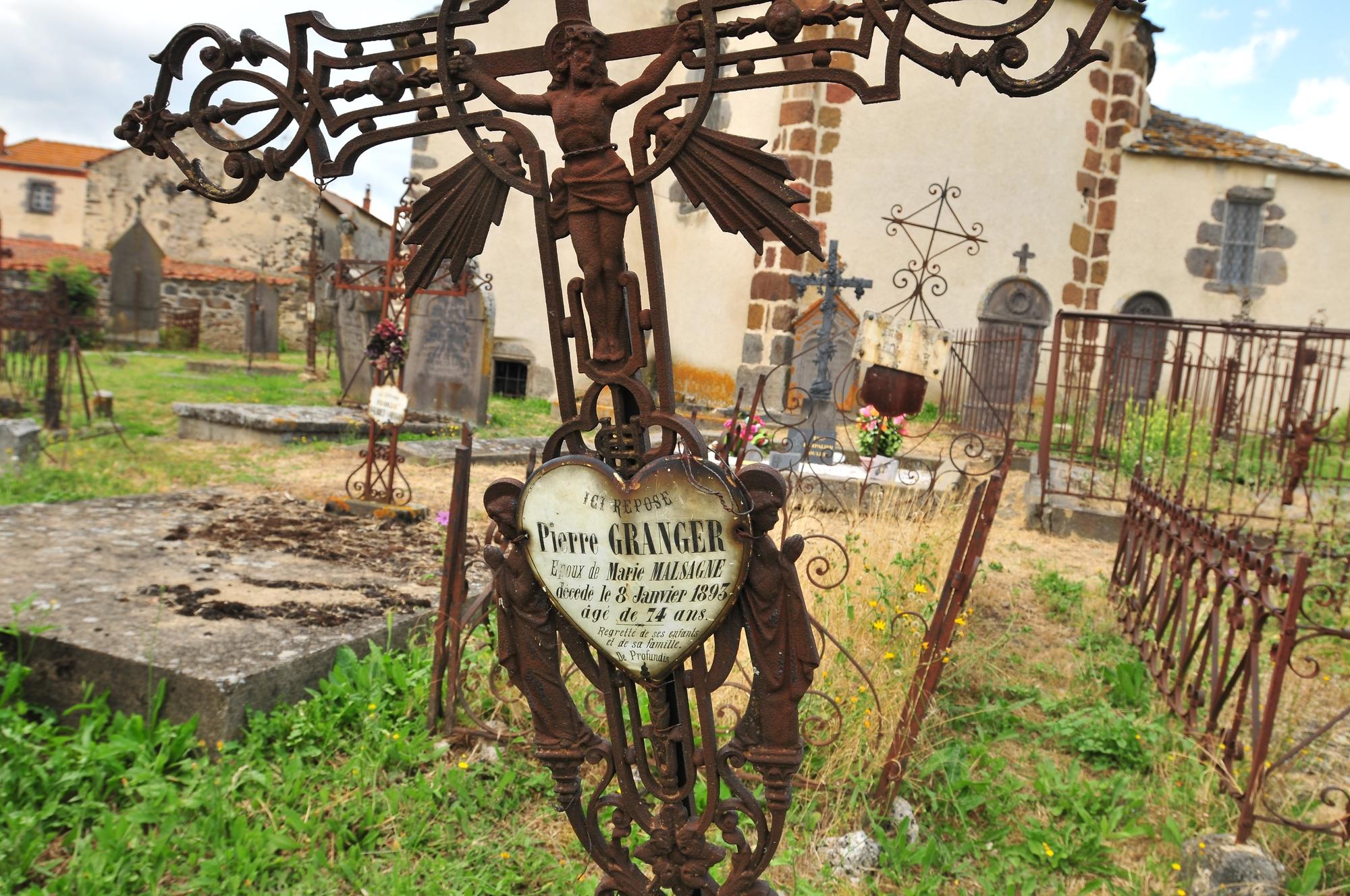 Cimetière, église de Colamine-sur-Vodable
