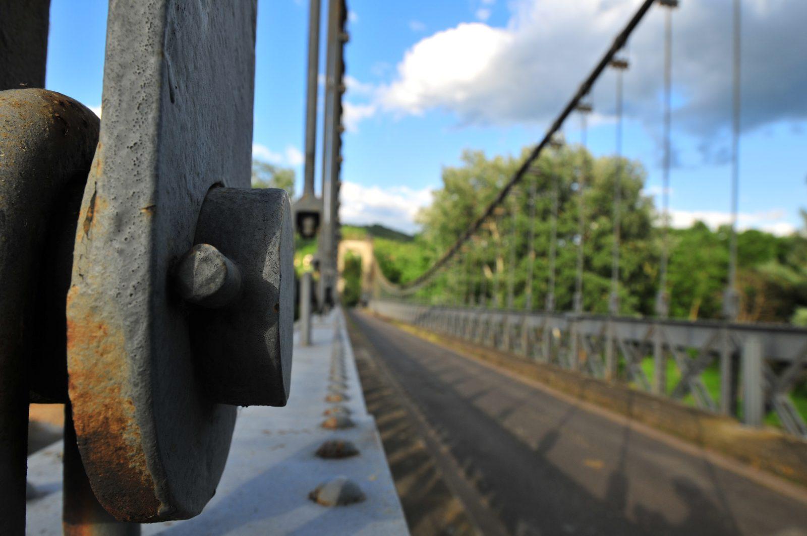 Pont suspendu de Coudes