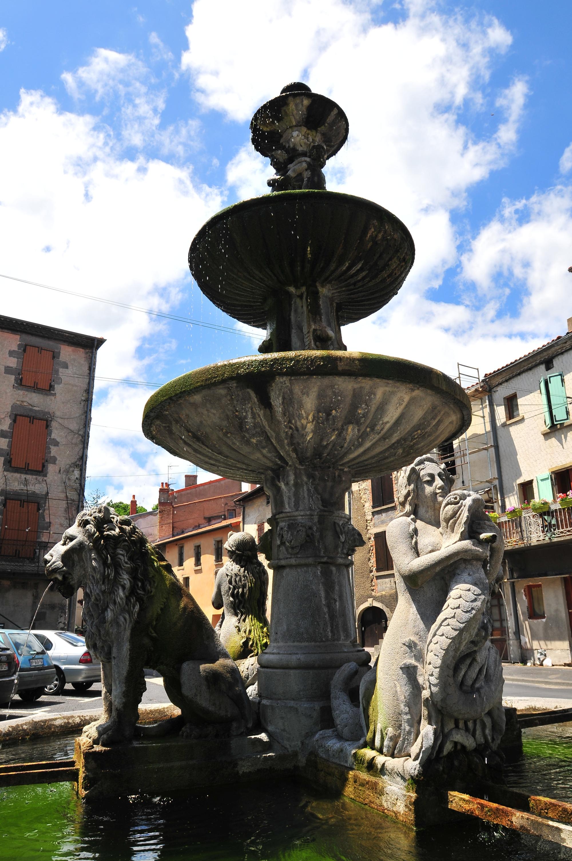 La fontaine aux lions, Plauzat