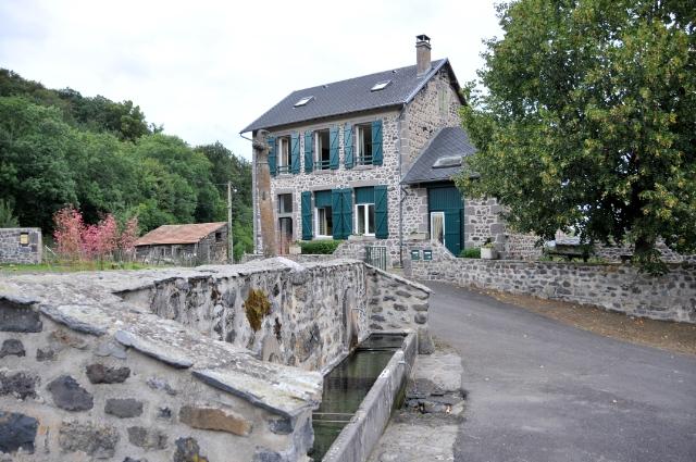 Gîte Auzolette 63979 – Courgoul
