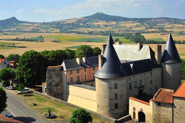 Villeneuve-Lembron