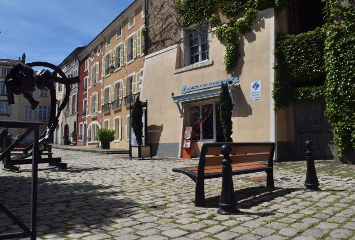 accueil office Issoire extérieur